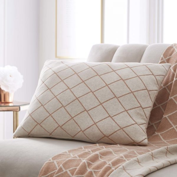 TESS DALY DIAMOND KNIT CUSHION 2