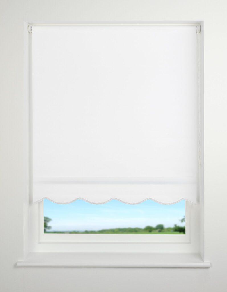 Universal Scallop Edge Plain Daylight Roller Blind